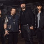 ADRENALINE MOB, King Of The Ring extrait du troisième album We The People [Actus Metal & Rock]